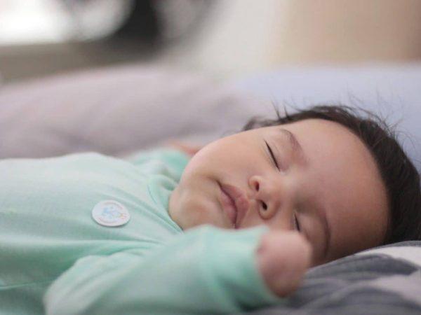 Himmelstange babybett weiß für bett zum festschrauben am