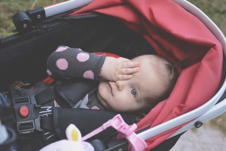0c379a332f Ein Kinderwagen ist sicherlich nicht zwingend notwendig, aber durchaus  hilfreich für unterwegs. Wenn dein Kind zum Beispiel auf einem Spaziergang  müde wird ...
