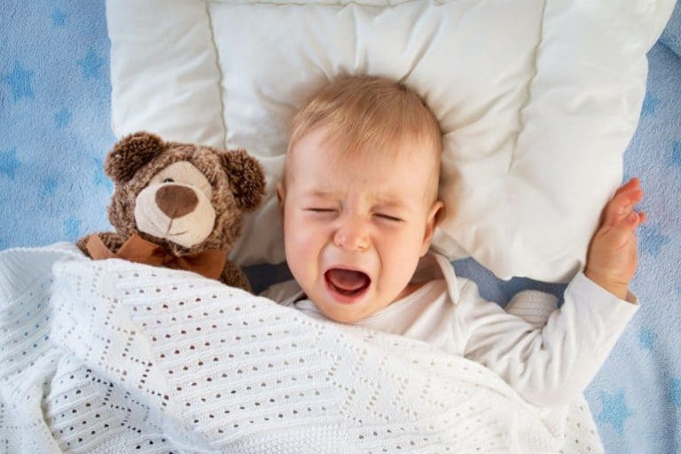 baby 10 monate schläft sehr unruhig